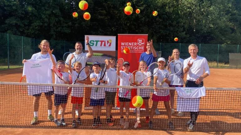 Wiener Städtische Versicherung unterstützt Kids des steirischen Tennisverbandes